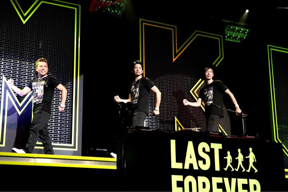 "THE LAST LIVE 東名阪三公演が終わりました。沢山の""家族""に見届けていただき感謝いたします!来年からの新しい三人のことも、これまで以上に応援よろしくお願いいたします☆  #hmku #thelastlive https://t.co/0QvqIgdhmc"