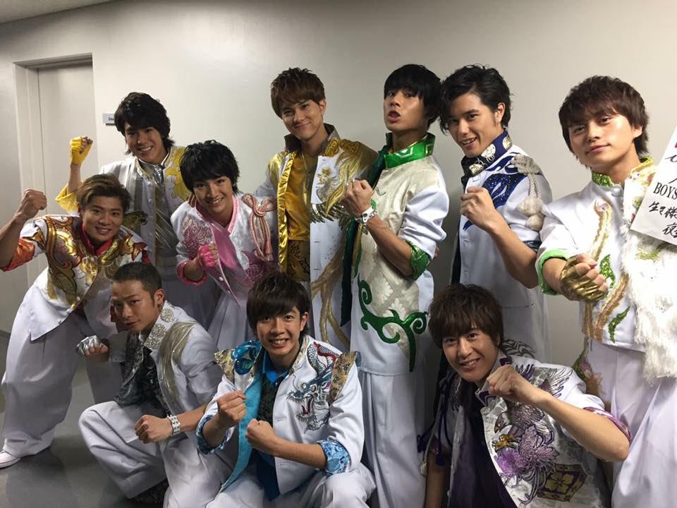 ボイメン 第58回 輝く!日本レコード大賞  新人賞を受賞し、新国立劇場で 「YAMATO☆Dancing」 歌唱しました! 会場で堂々と歌う姿は誇らしかったです。  1月7日はいよいよ武道館公演です! https://t.co/smi8onjdH6