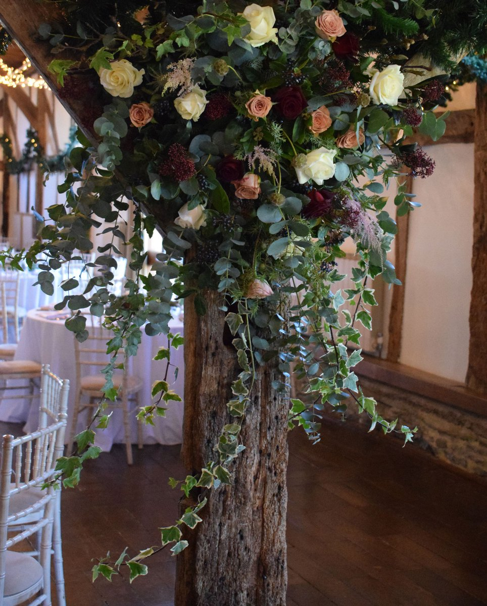 RT @MirandaHackett Always such a pleasure dressing the beams @LoseleyPark @Loseleyevents ....especially when it involves tumbling foliage #weddingflowers