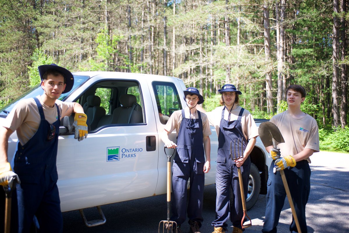 ontario parks on twitter shine up your resume students job ontario parks on twitter shine up your resume students job descriptions for our 2016 park rangers open next week t co hc1tdouuwv summerjobs