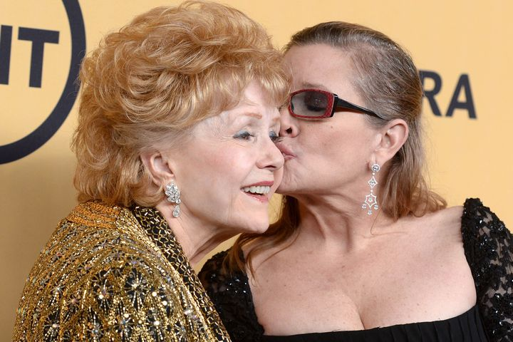 (Mashable) #HBO moves up premiere of #Carrie Fisher and Debbie Reynolds documentary to..  http://www. inusanews.com/article/479263 1612/hbo-carrie-fisher-debbie-reynolds-jan-premiere-documentary &nbsp; … <br>http://pic.twitter.com/AjQjkCGbIy