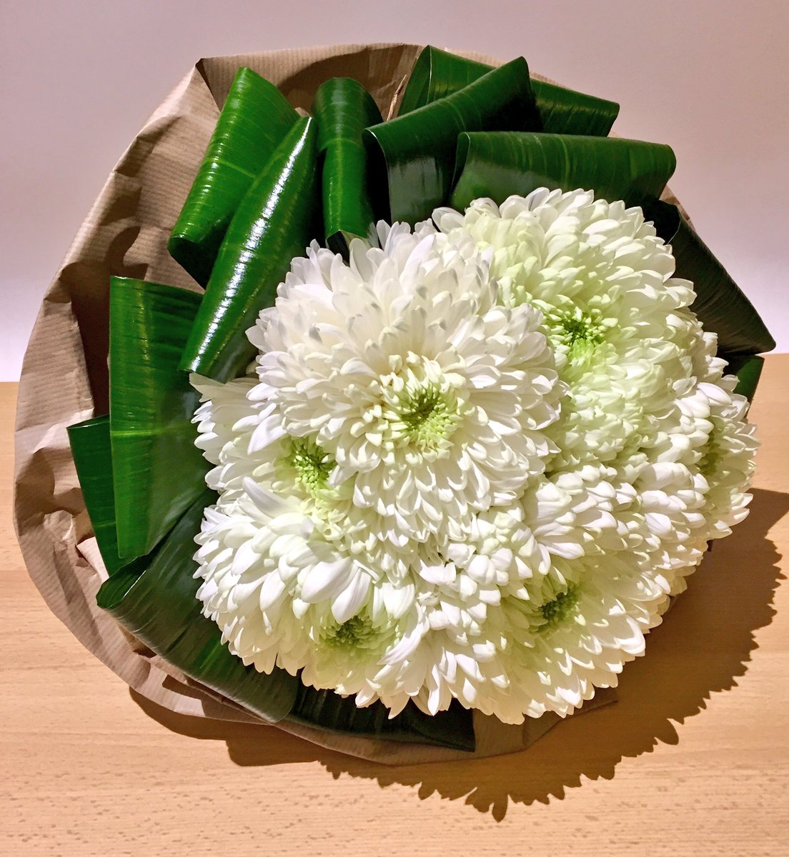 Neil Bain On Twitter A Compact Tied Posy Of White Chrysanthemum