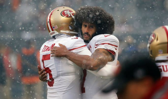 Players vote for Colin Kaepernick to receive #49ers most prestigious award. https://t.co/zLDWpe1mZn https://t.co/EZ5qWstbQx