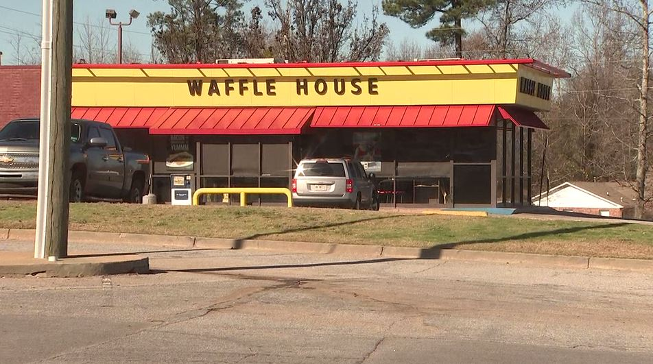 Waffle House waitress pulls her own gun when robbers threaten restaurant. @MJohnsonWSB reports LIVE at 5:33.