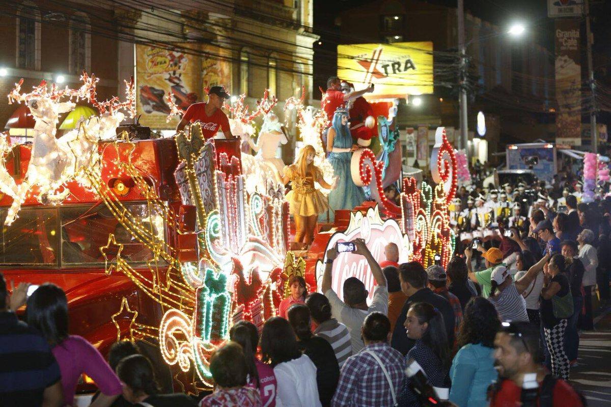 Fotos Carrozas Navidenas.Diario El Heraldo On Twitter Fotos Espectacular Desfile