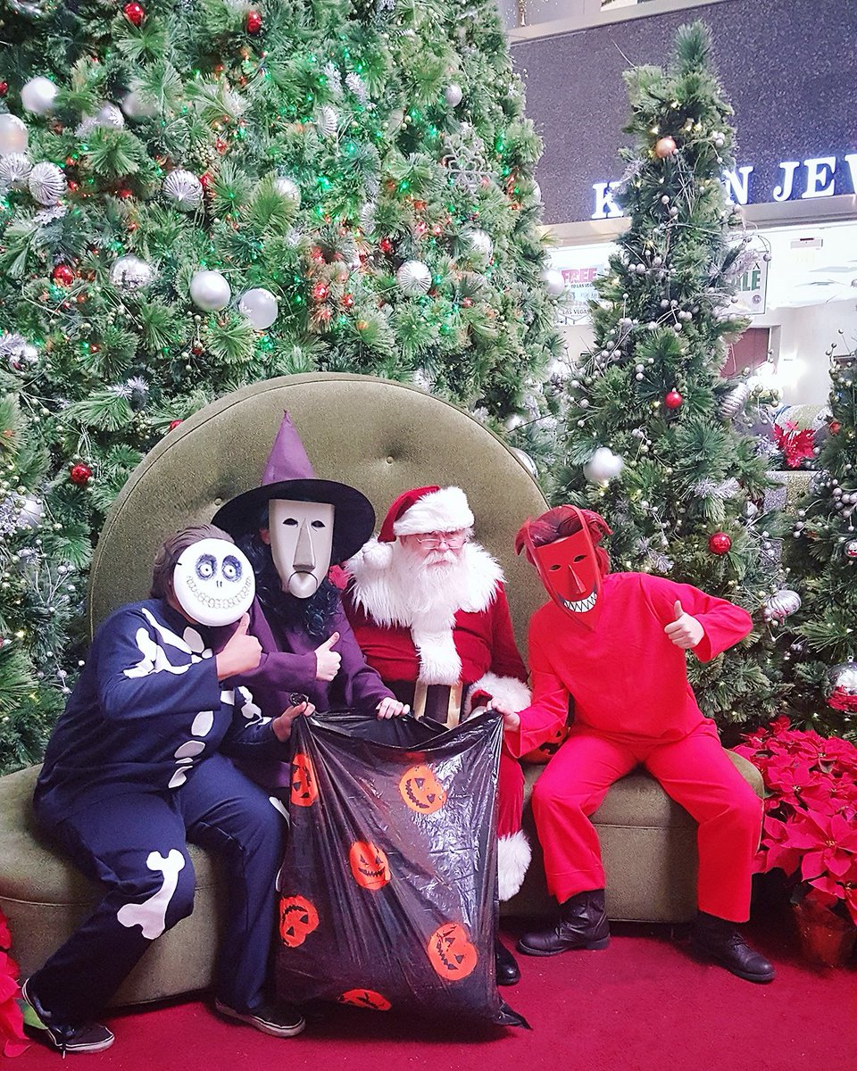 Cosplayers pull a 'Nightmare Before Christmas' prank on mall Santa