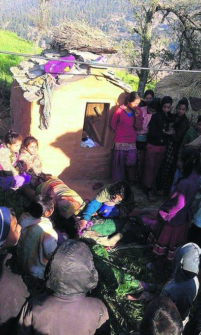 Έφηβη στο Νεπάλ πέθανε αβοήθητη λόγω βάρβαρης   παράδοσης που απαγορεύει την έμμηνο ρύση