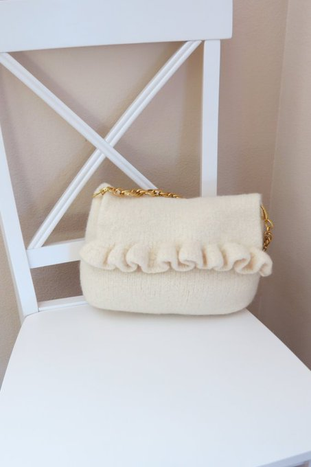 Felted Purse Pattern, Knit Bag Pattern, Felted Purse, Knitted Purse, PDF Pattern, White Ruffle