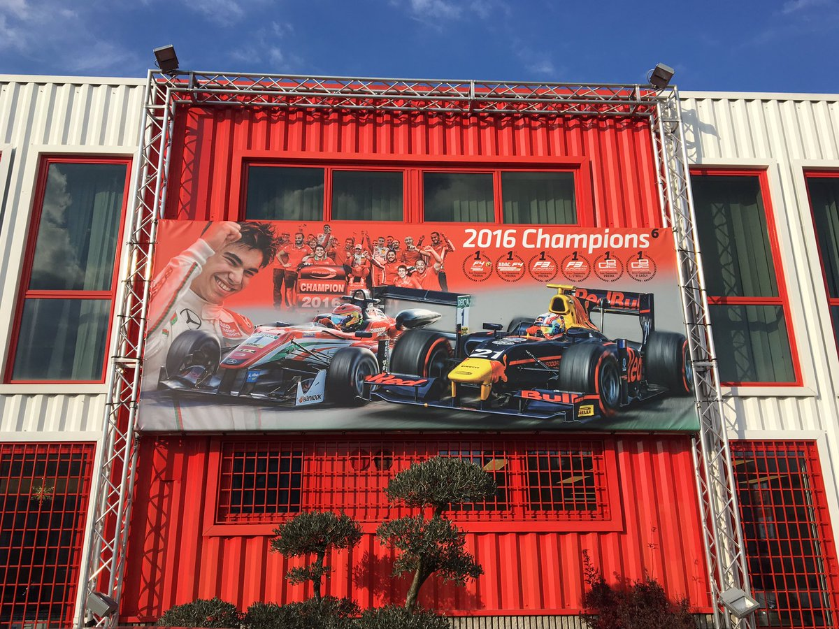 Unveiling of the new @PREMA_Team poster before tonight's #party! Thanks to all for another amazing season