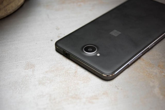 Gagne un Lumia 650 ! https://t.co/bMgTjDP8My https://t.co/DdNUdlM2F3