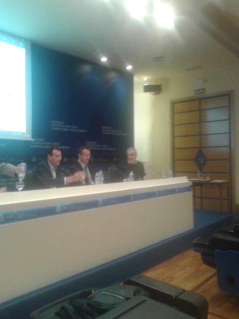 S.Gómez @agrosfera_tve 'la especialización enriquece la información y es amiga de la transparencia' #cursoAPAE