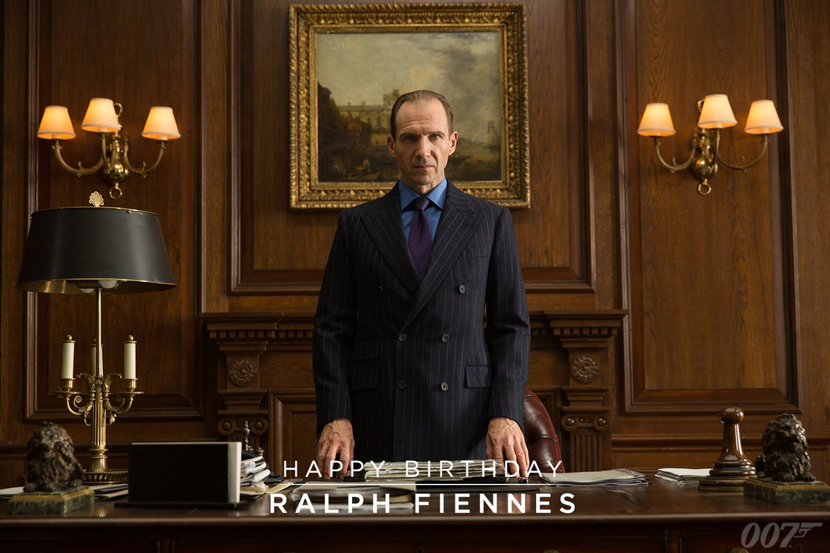 James Bond On Twitter A Very Happy Birthday To Ralph Fiennes To