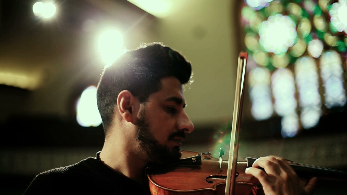 """""""They touched my heart quickly,"""" – Syrian refugee Sari has been warmly welcomed by fellow musicians in Canada https://t.co/EZv1RyAewC"""