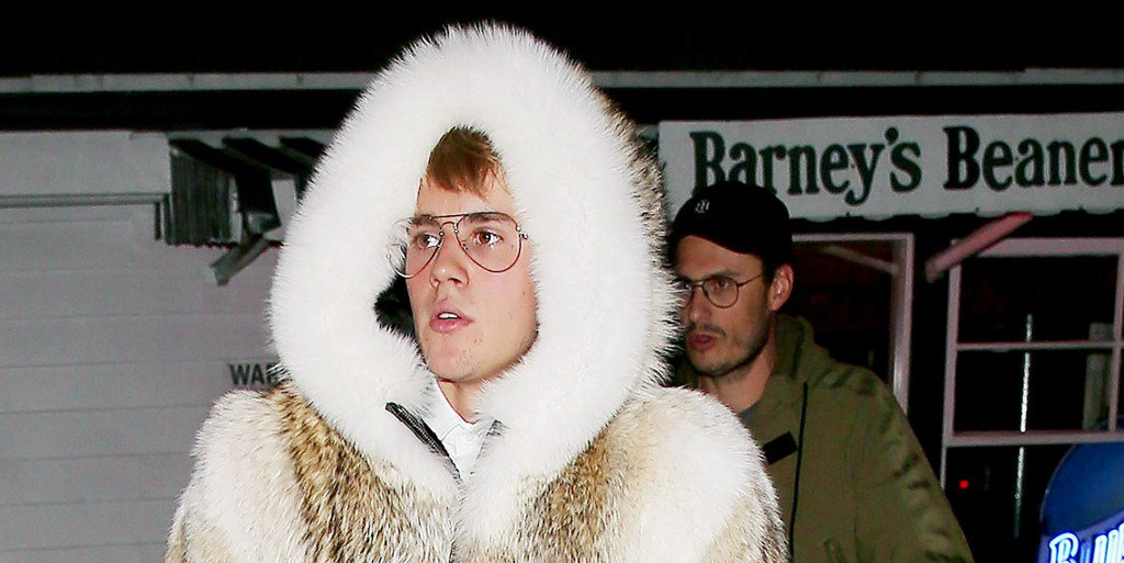 Justin Bieber Dons a Fur Coat to Battle L.A.'s Brutal 61-Degree Winter https://t.co/SgwNihSFAC https://t.co/FmtedGEq9N