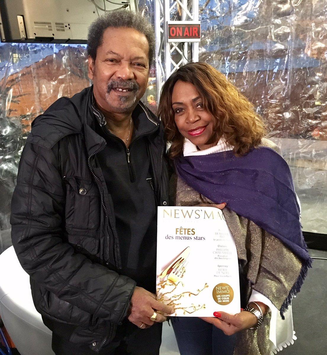 Le @NewsMagMarne , c&#39;est bon pour le #moral !  Clemence et José de la #CompagnieCreole adorent votre #magazine préféré  #Reims #Champagne<br>http://pic.twitter.com/nWlDH0zI5d