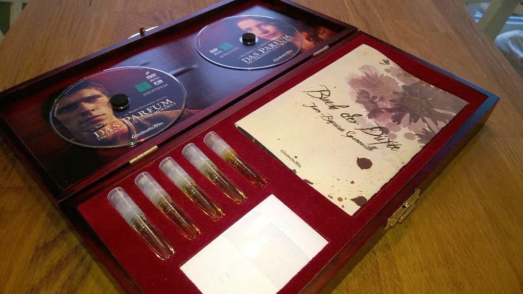 DVD Set mit Parfumphiolen und Booklet