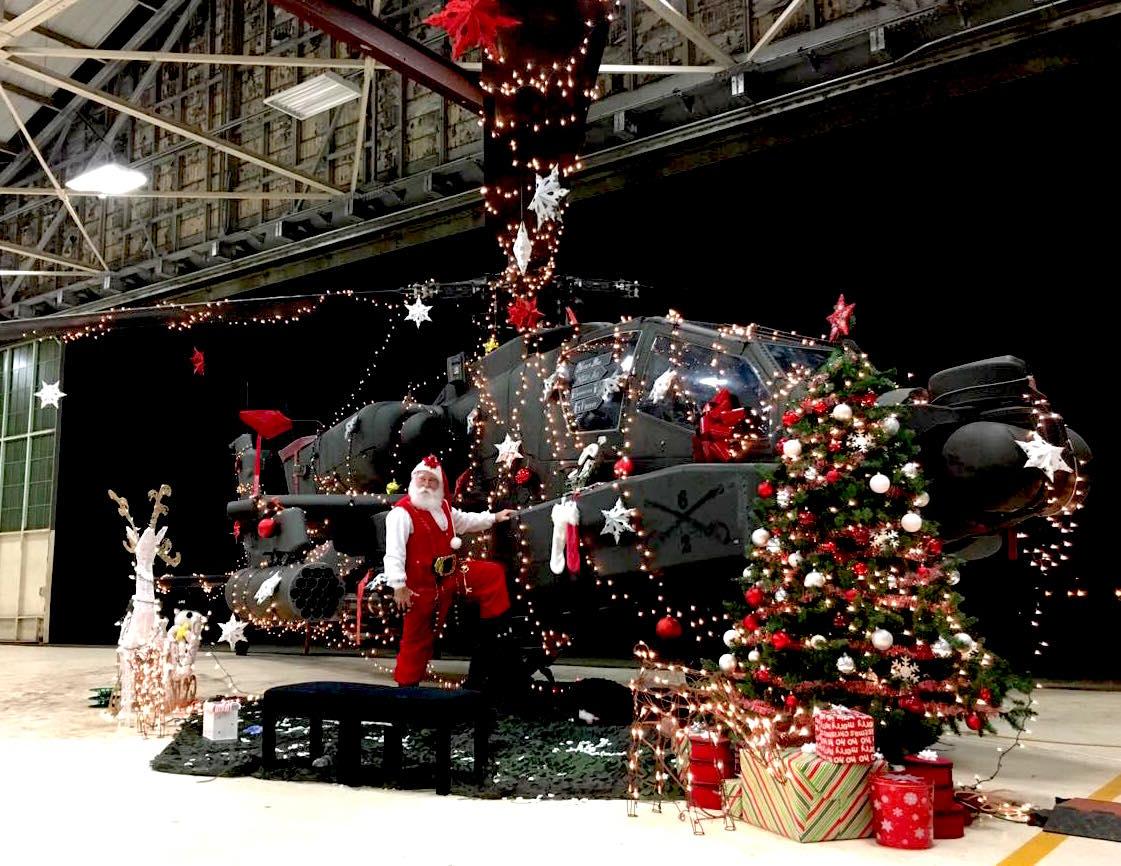 Happy Holidays! Ho Ho Ho!! トナカイ代わりのアパッチです。 https://t.co/DZpQWQWa9K https://t.co/g8opWt4aNU