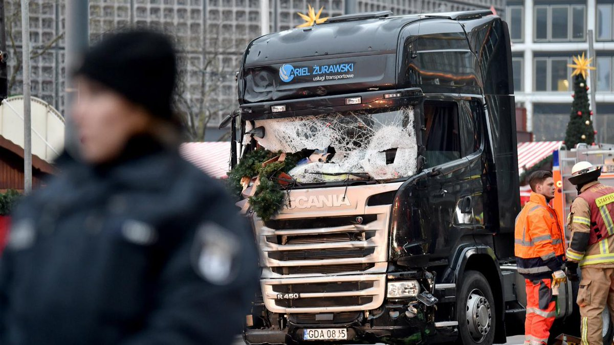 Estado Islâmico reivindica ataque em Berlim https://t.co/9S8x3EQ5Kr https://t.co/QLhRTPecl4