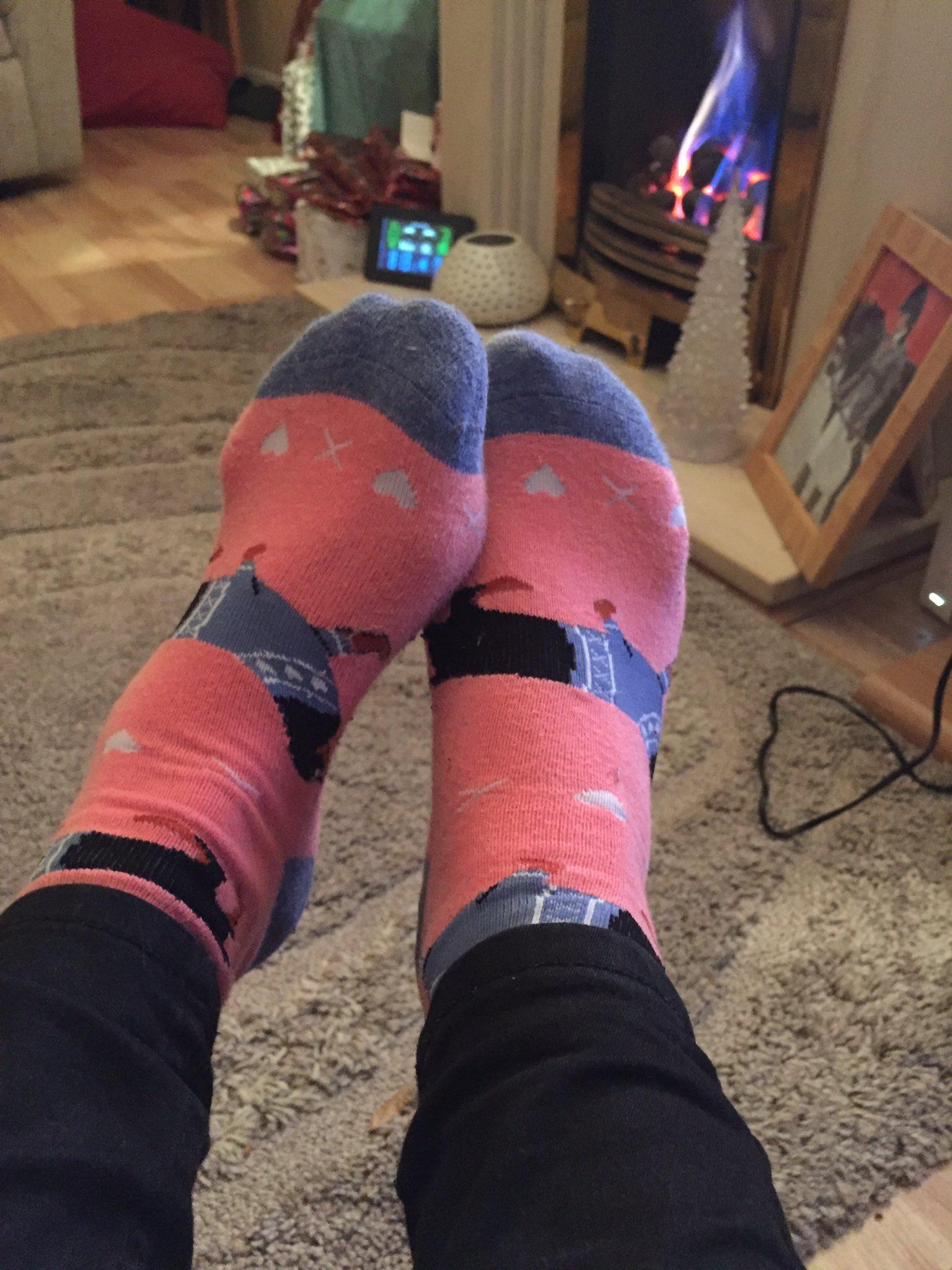 @folksy purchasing these socks! #sausagedog #folksyhour https://t.co/EB4iZiOLMw