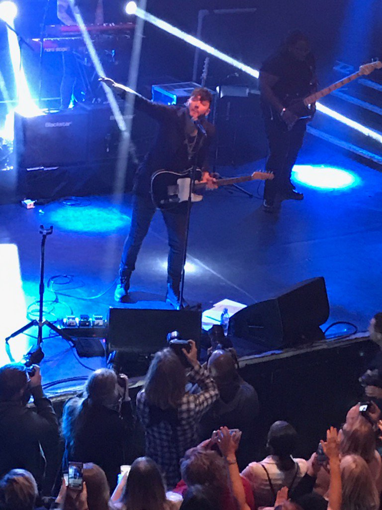 The mighty @JamesArthur23 smashing it at London KOKO https://t.co/DjigJLAf3B