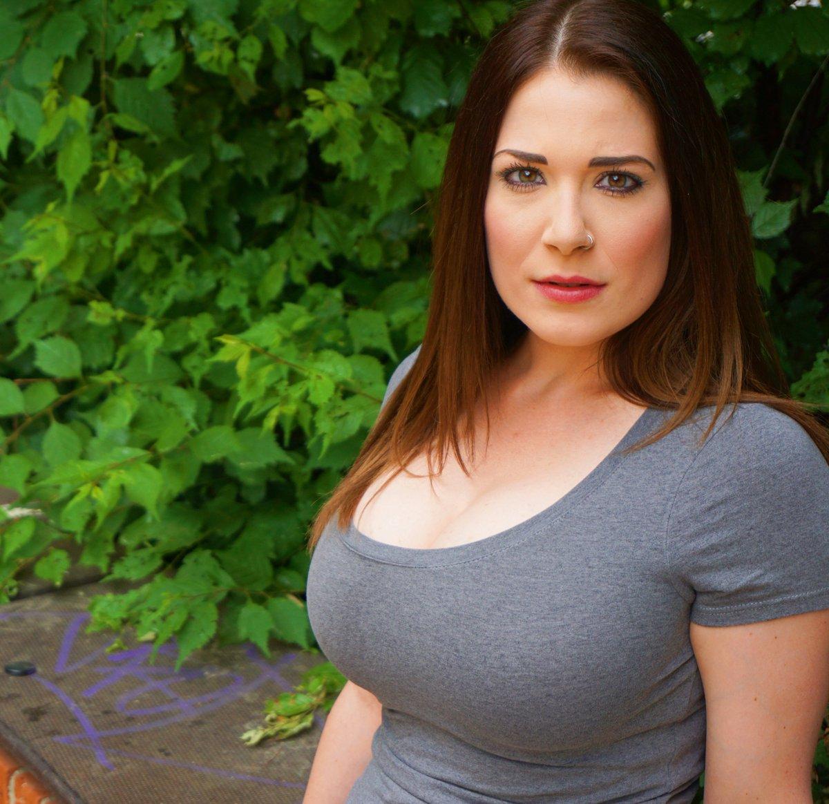 Vanessa huge polish breasts gallery mybigtitsbabes