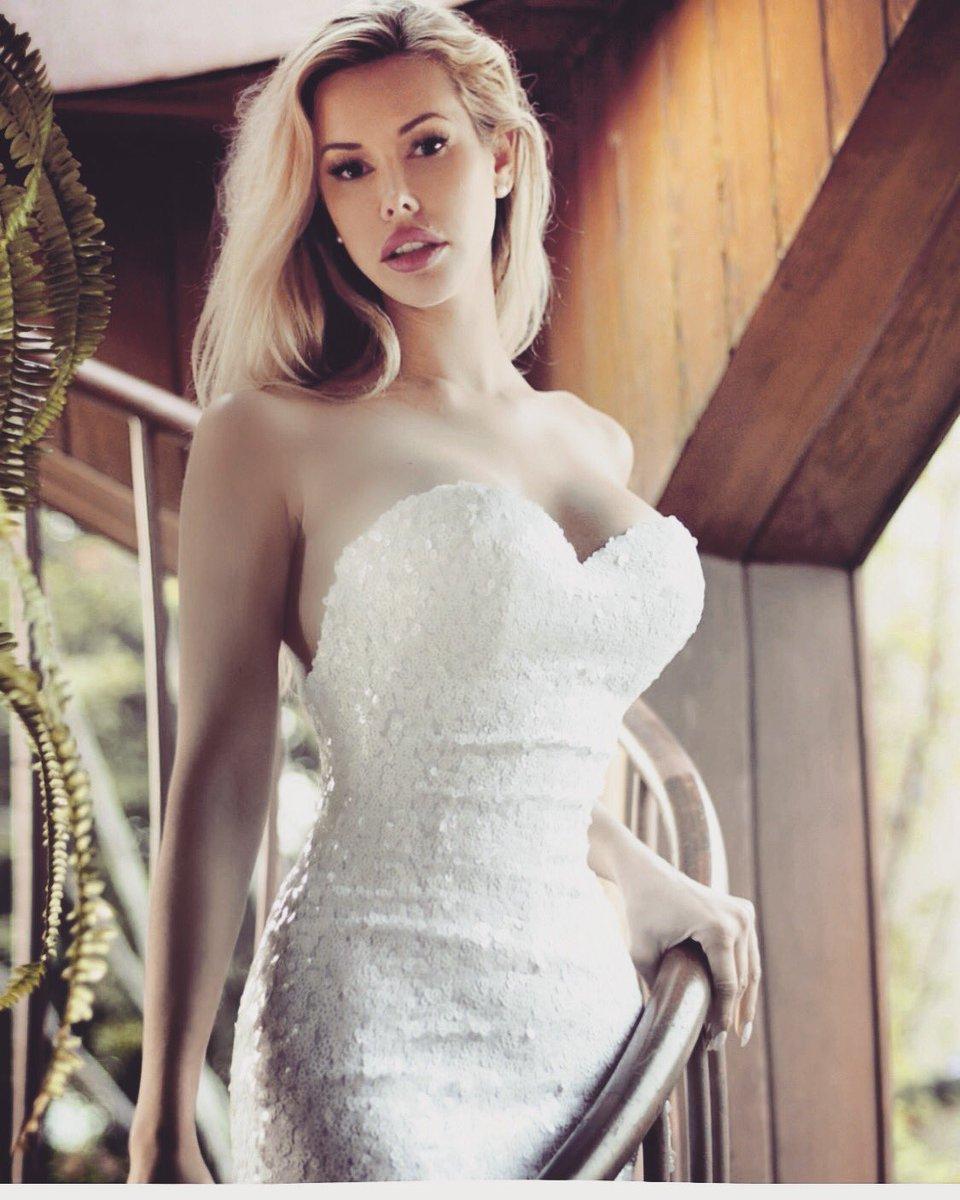 Rachel Hollon Nude Photos 24