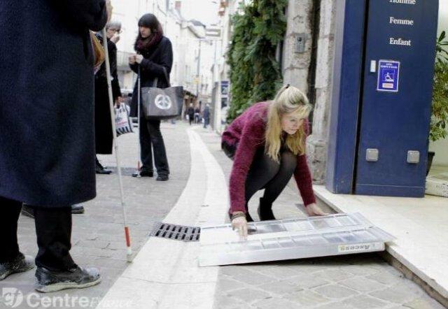 #RT Et oui, très souvent l&#39;#Accessibilité est super facile à réaliser ! Encore faut-il vouloir la faire ! #Handicap<br>http://pic.twitter.com/Hvfxc8iQKh