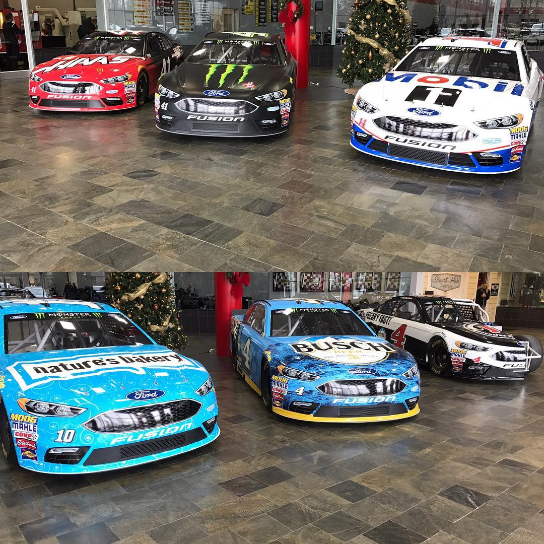 Monster Energy NASCAR Cup Séries 2018 C0NZl7rXgAAGW_I