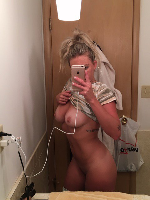 Nude Selfie 9892