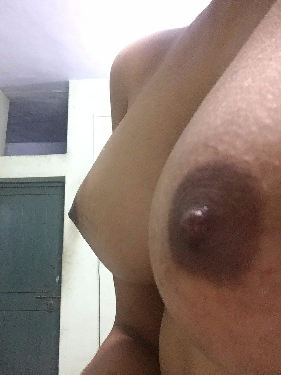 Nude Selfie 9885
