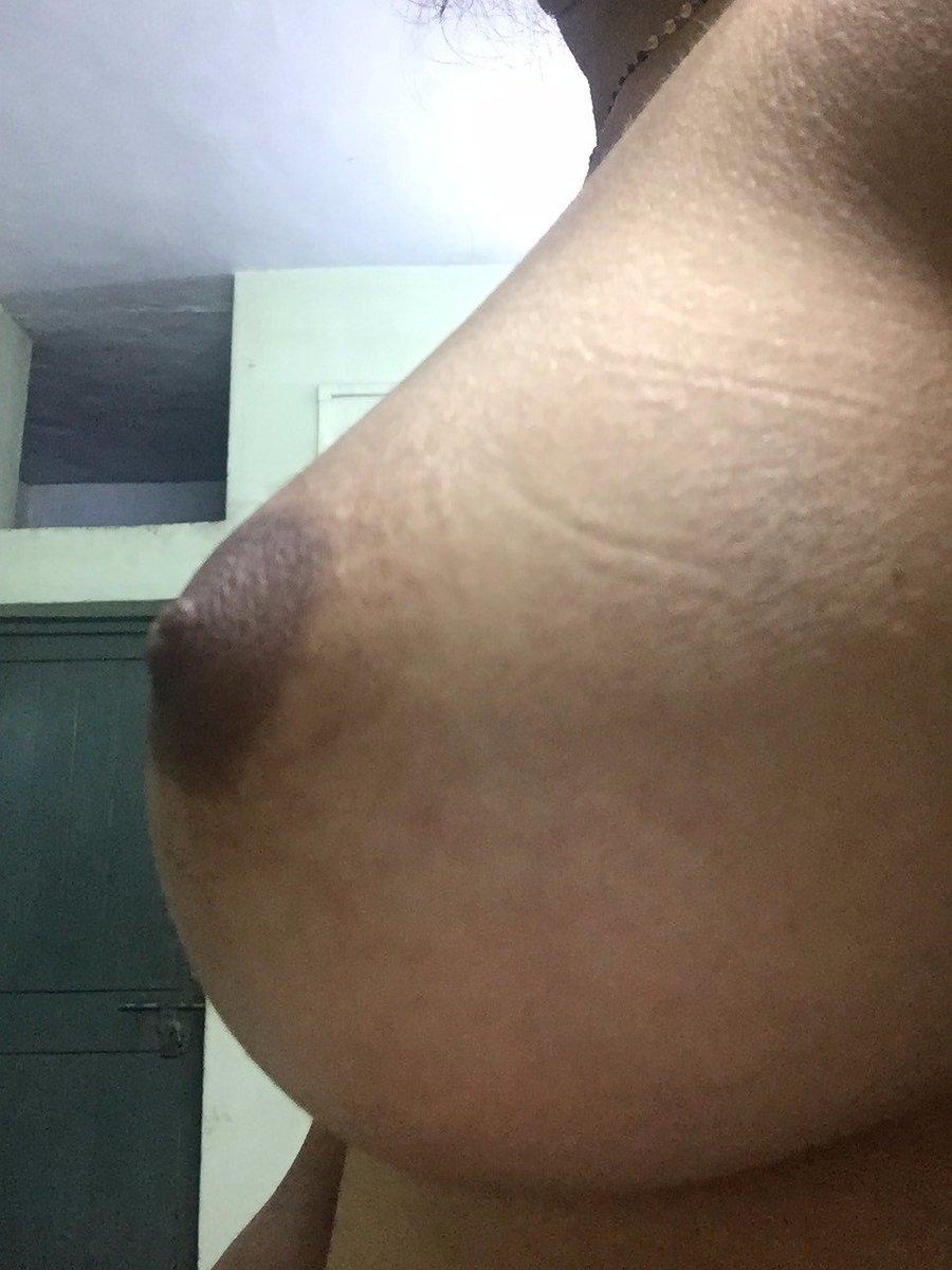 Nude Selfie 9884