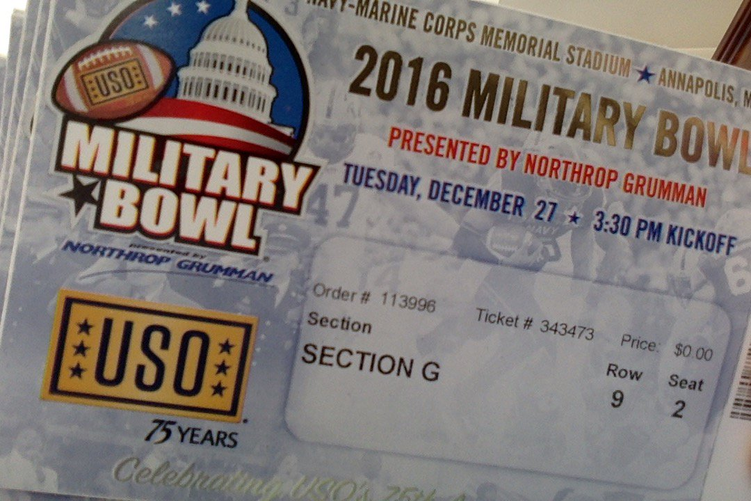 Who wants a pair of tickets to the @MilitaryBowl ?  Just R/T this and I will pick a few winners tonight at 6pm. https://t.co/y7z1zhRvkw