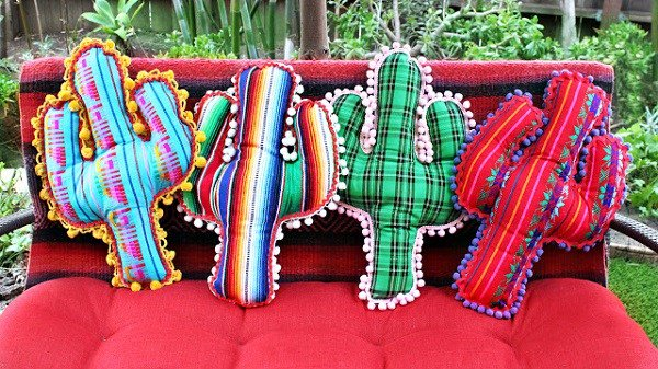 Tutorial: No-sew pom pom trim cactus pillows https://t.co/mbD4CvJlrq https://t.co/6t8AJuLvyR