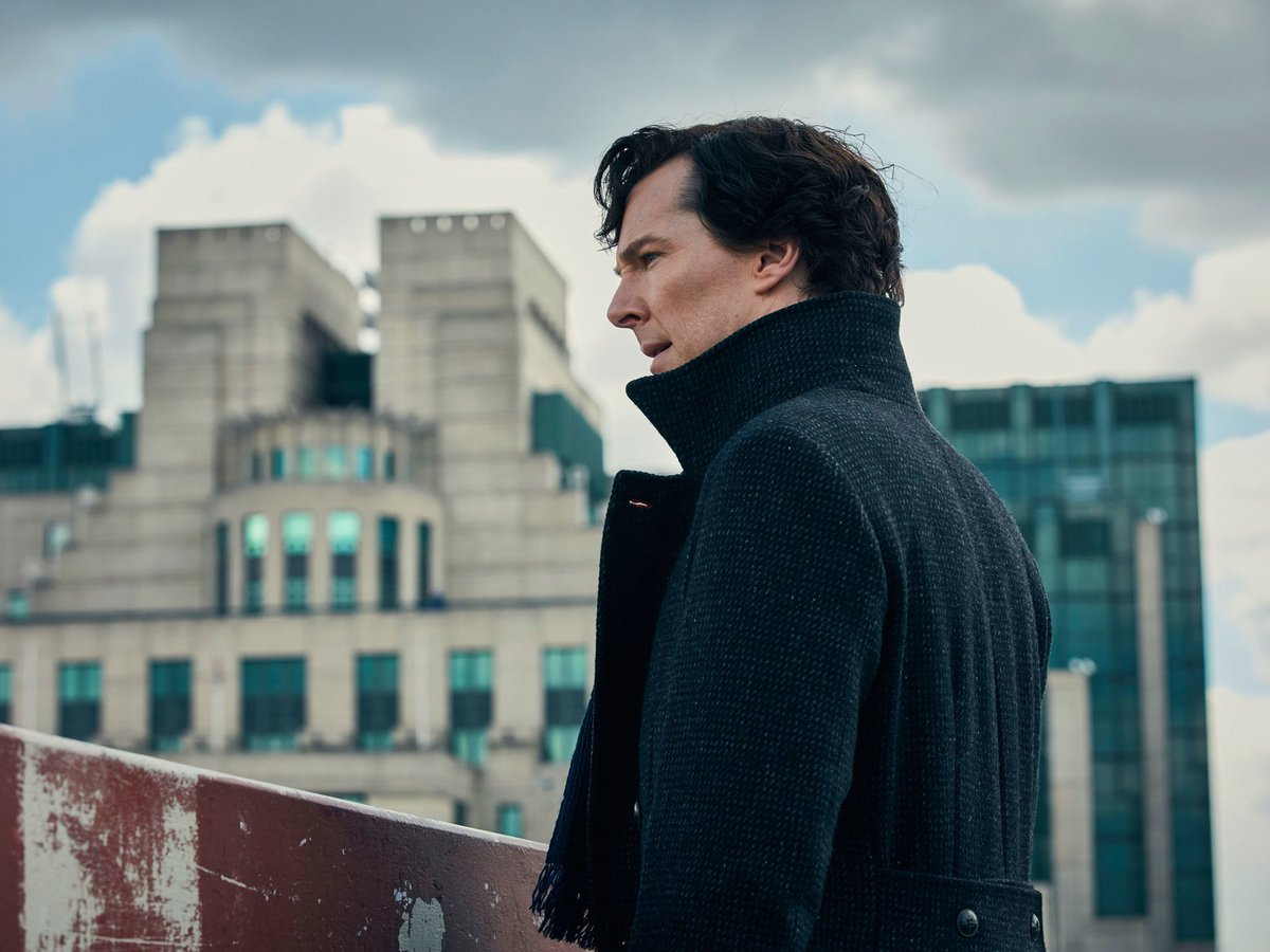 We spoke to #Sherlock co-creator Steven Moffat about Christmas, Cumberbatch and clickbait https://t.co/VD22rx4FQT https://t.co/SGxhCAPvpW