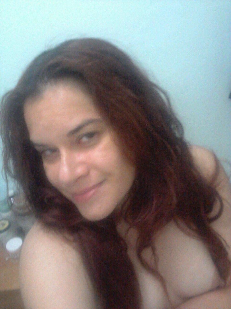 Nude Selfie 9940