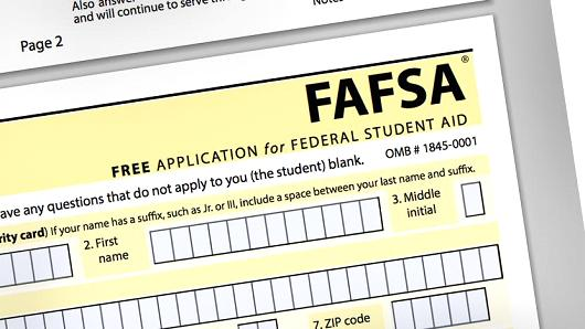Want financial aid? Get the #FAFSA in now! https://t.co/QZjkx68BBk via @CNBC https://t.co/EnplbUBYRP