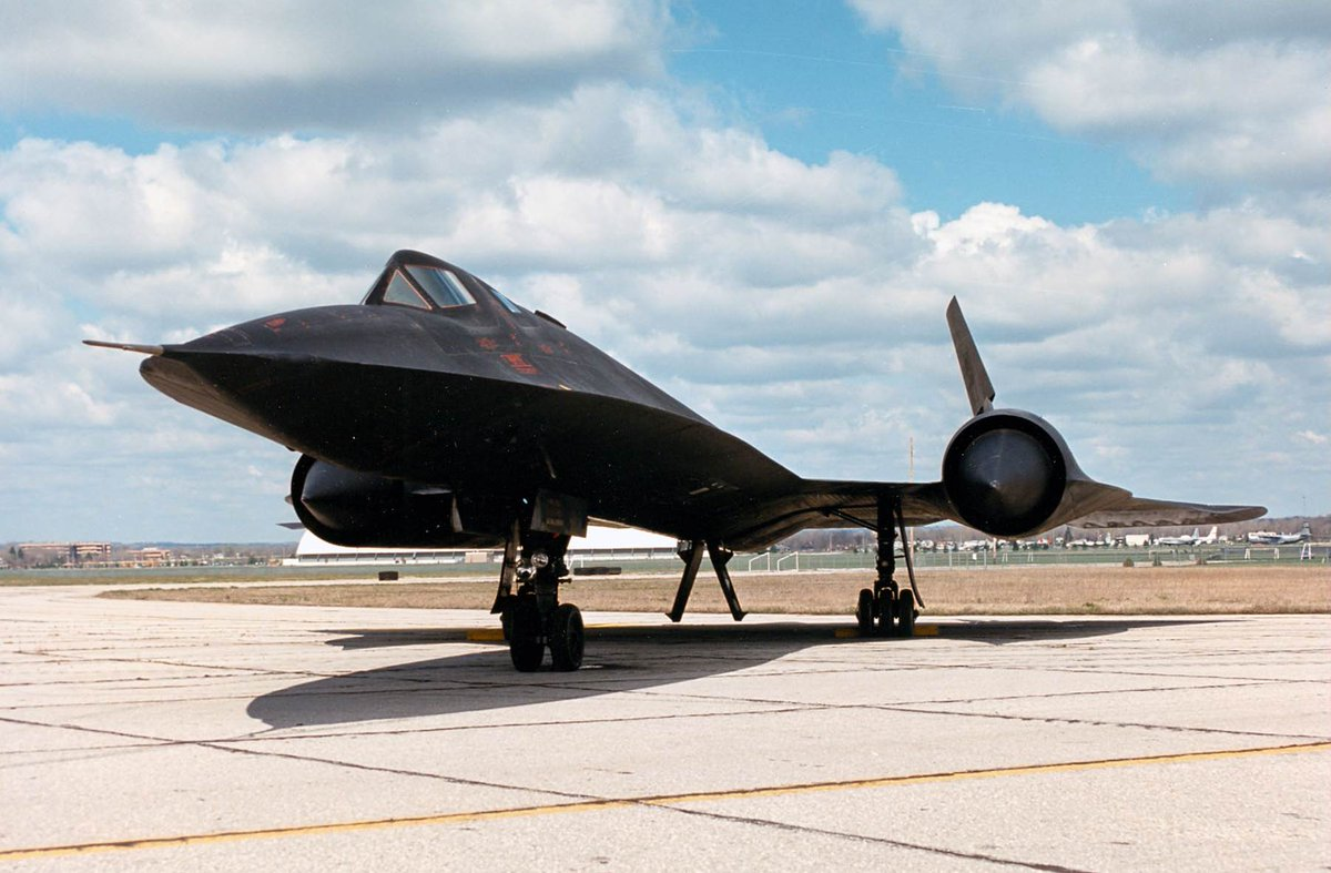 #OTD in 1964:  The first flight of an SR-71 took place.  Learn more here -->https://t.co/LtZJszCgff https://t.co/E1vohHF6Zn