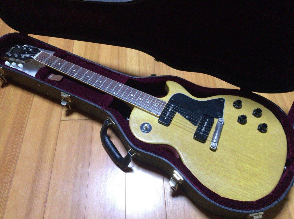 【お譲りします】 2004年製のGibson Les Paul Special TV Yellow Historic Collection欲しい方いらっしゃいませんか?21万円くらいでお譲りしたいです、お気軽にご相談下さい。 https://t.co/6mTObnf6K1