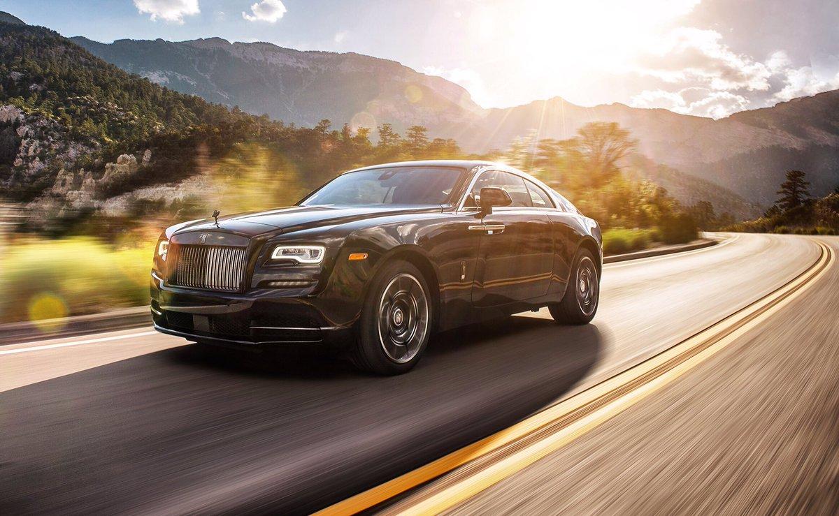 Rolls Roycemotorcars On Twitter A Darker Aesthetic An Irresistible Aura This Is Wraith Black Badge Rollsroyce Blackbadge Rrblackbadge Wraith Photo Jordanshiraki Https T Co N54s7ftyix