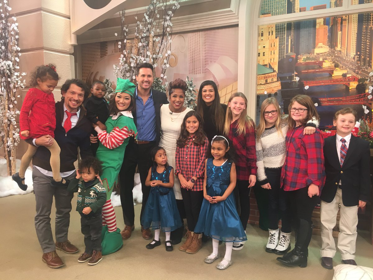 hamiltonchi cast members miggstac09 ariannaafsar put a hamil spin on the night before christmas windycitylive - The Night Before Christmas Cast