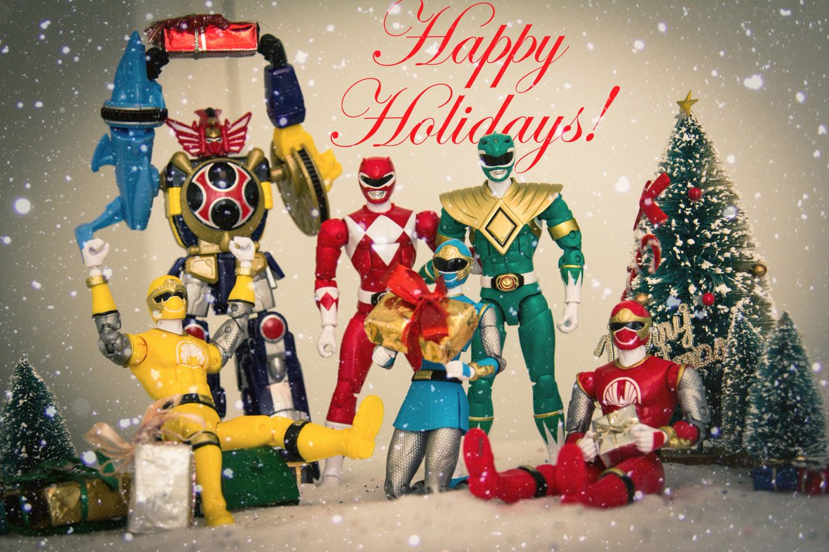Happy Holidays from our family to yours! @PowerRangers #powerrangers #happyholidays #presents #family #bandai https://t.co/gpOBl30Mnb