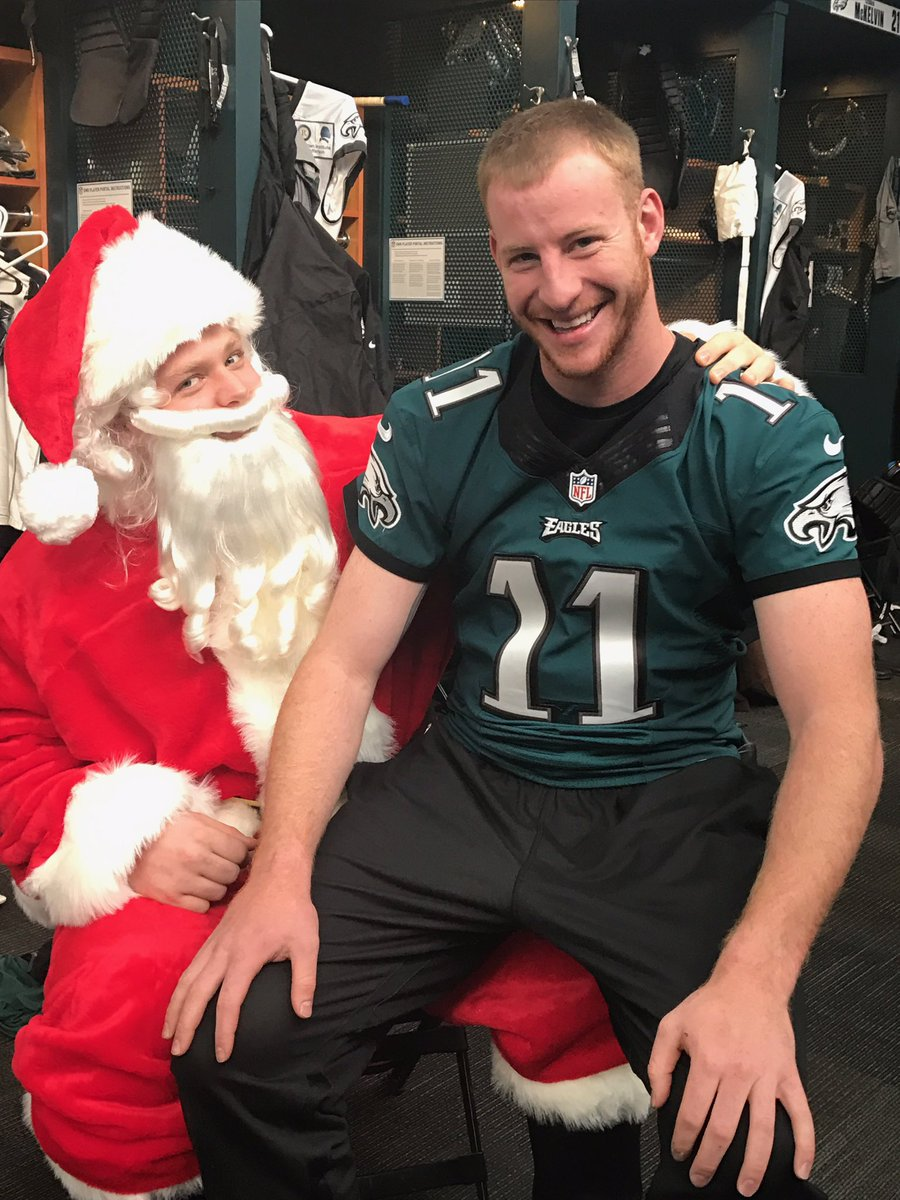 Hey @cj_wentz was that @Eagles win on your Christmas list?? #FlyEaglesFly #Hohoho #futuremallsanta https://t.co/A76YPT5SwB