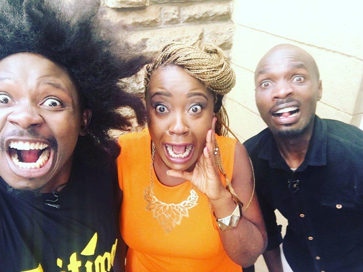 Tumepigwa radiiii woop woop backstage just met #Kymoh and #Stigah of the #Thiiiiiitttiiimmmmmmmaaaaaa crazzzeeeo https://t.co/BDpZmC8MpB
