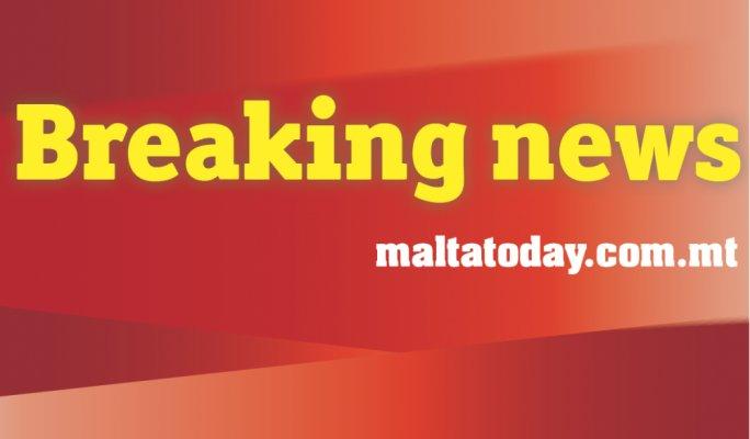 Hijacked Libyan aeroplane lands in Malta https://t.co/IvrmOMtZ9Z https://t.co/OouqcOaZdB