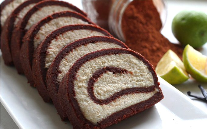 Raw Cocoa Vanilla Swiss Roll [Vegan, Gluten-Free]