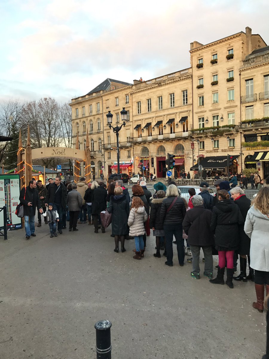 Security check for entering the Christmas Market in Bordeaux. This is the new normal in Europe. #Vigipirate <br>http://pic.twitter.com/6HCX7IZNzI