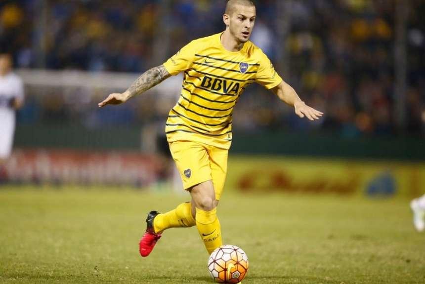 Darío Benedetto decidió quedarse en #Boca al menos hasta junio. Se rechazó una oferta de la MLS de u$s 10M limpios. https://t.co/QvbMdopGkJ