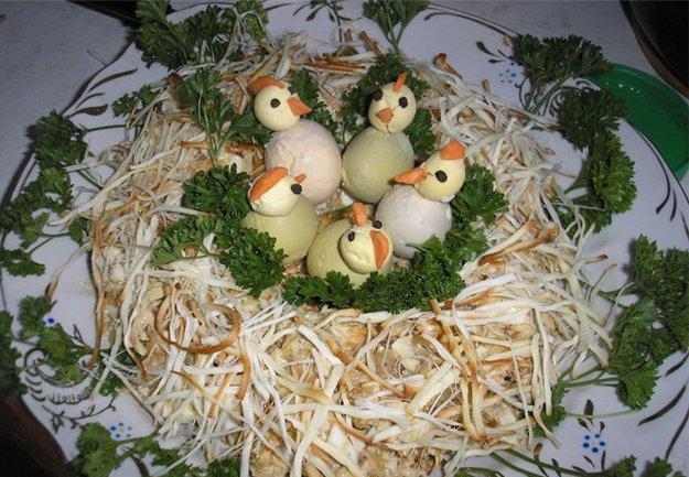 Рецепт салата гнездо глухаря с фото