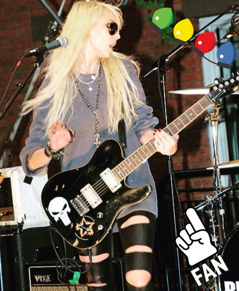 Taylor Momsen pics (@Z... Taylor Momsen Twitter