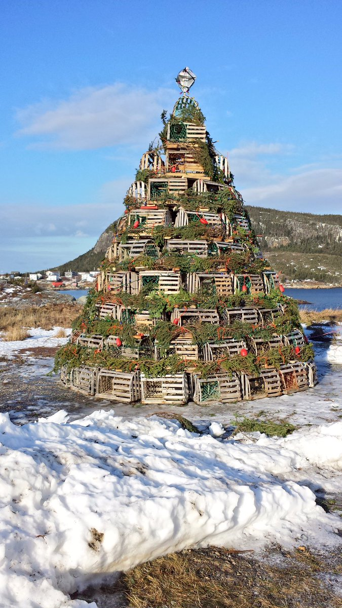 The beautiful fisherman's Christmas Tree in Salvage, NL: https://t.co/uezwtDBMde